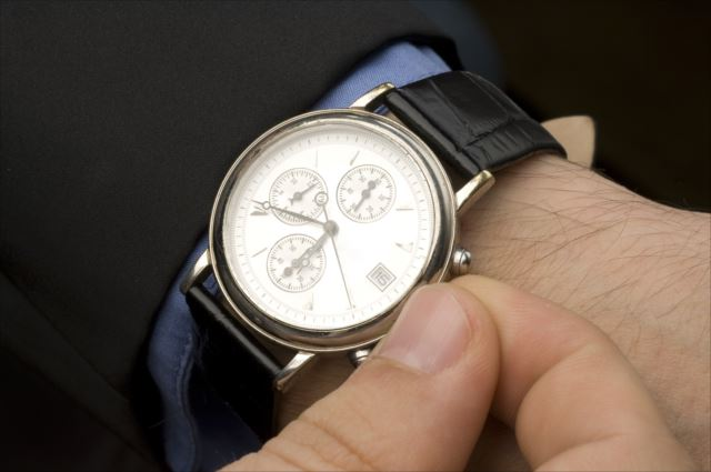 機械式時計にも種類がある!!自動巻きと手巻きならどちらの方がいいの?